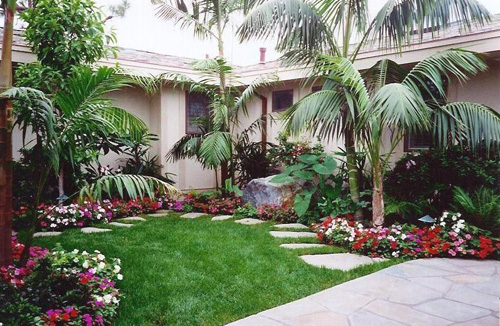 38 Homes That Turned Their Front Lawns Into Beautiful: Front Yard Landscaping Ideas