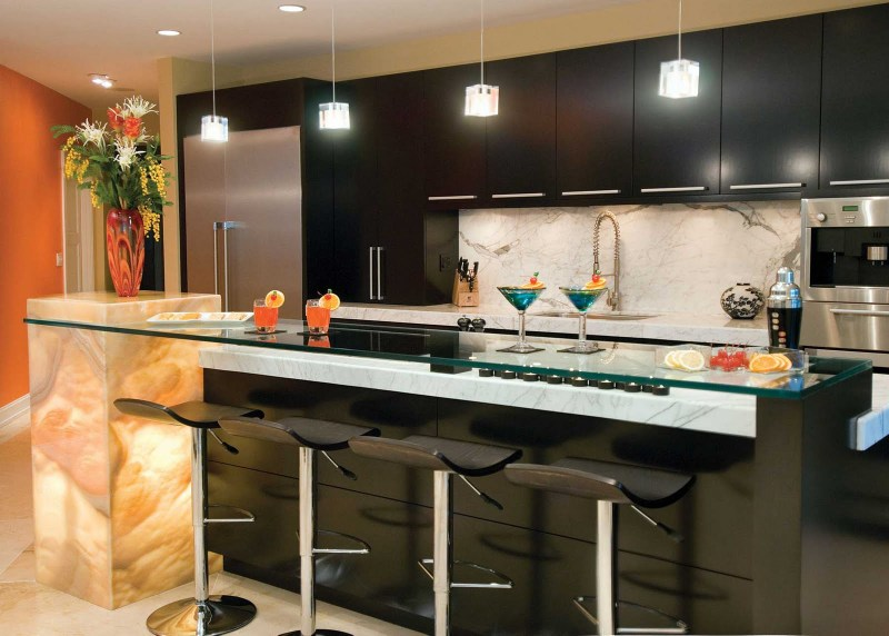 pendants give a great atmosphere in the kitchen