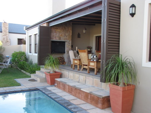 Pool landscaping ideas to add tremendous value to you home for Best kitchen designs in south africa